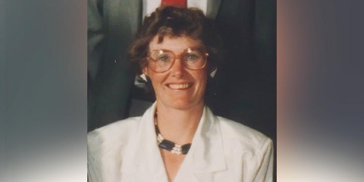 Linda Cross